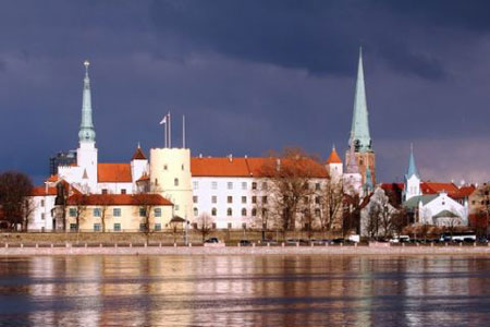 castle and <b>old</b> <b>town</b> riga