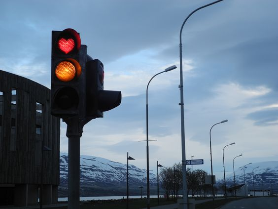 Traffic Lights around the World for all Tastes